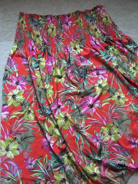 This is the tropical patterned fabric I chose for the project.