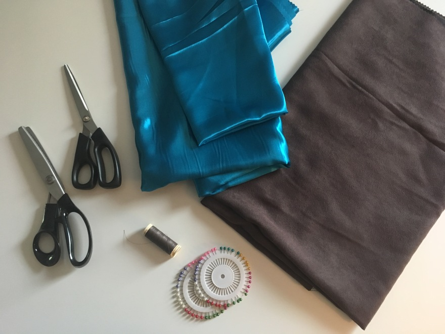 Here's what you will need to make the pleated version.