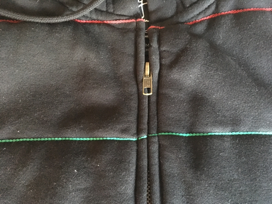 The zipper turned out great, but one thing that I noticed is the new zipper isn't quite as long as the old one.