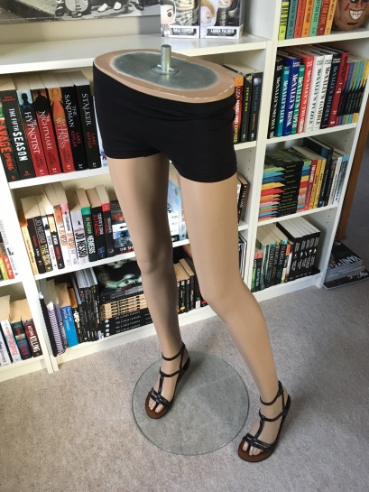 This mannequin has space after her big toe for thong sandals to slide into.